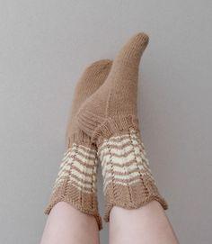 Fluffy Socks, Knitting Socks, Fun Projects, High Socks, Fingerless Gloves, Arm Warmers, Tutu, Crochet, Helmet