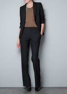 Zara Outfit. Blazer, peter pan collar, trousers, and pointy boot.