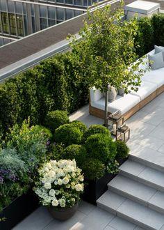Rooftop Terrace Design, Rooftop Patio, Backyard Patio, Backyard Landscaping, Terrace Garden Design, Terrace Ideas, Rooftop Gardens, Modern Fence Design, Patio Design