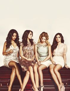 Pretty Little Liars Group Photoshoot I - A