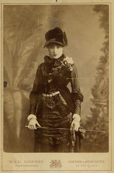 VINTAGE PHOTOGRAPHY: Sarah Bernhardt