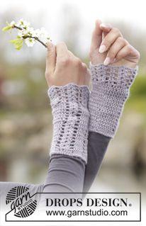 """Crochet DROPS wrist warmers with fan pattern in """"BabyAlpaca Silk"""". ~ DROPS Design"""