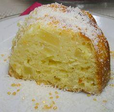 un petit dessert bien délicieux,trouver sur royal chef10 http://royalchef10.blogspot.fr ingrédients: 1 boite d'ananas 200gr de farine 1s de levure chimique 150gr de beurre 150gr de sucre 3 oeufs 50gr de noix de coco râpé 1s de sucre vanillé. préparation:...