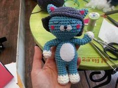1단)4코 원형뜨기 2단) (1코 짧은뜨기 후 두코늘리기)를 두번...........(6코) 3단) (2코 짧은뜨기 후 두코... Free Crochet, Knit Crochet, Amigurumi Toys, Smurfs, Free Pattern, Dolls, Knitting, Blog, Crafts