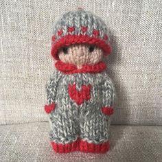 knitting toys Best 11 Gudrun on Instagra - knitting Knitted Doll Patterns, Knitted Dolls, Crochet Blanket Patterns, Baby Blanket Crochet, Crochet Dolls, Stitch Patterns, Knitting Patterns, Bear Blanket, Yarn Dolls