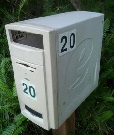 Turn an old computer tower into a mailbox! 50 Creative Ways to Repurpose, Reuse and Upcycle Old Things Alter Computer, Computer Case, Pinterest Projects, Trash To Treasure, Reuse Recycle, Deco Design, Repurposed, Diy And Crafts, Old Things