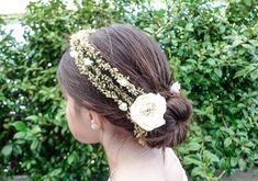 Peinado de Primera Comunión con corona de flores - Especial Primera Comunión - Especiales - Charhadas.com