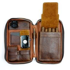ThePeter James Leather Cigar Caseholds everything you need. Hand made in North America using full-grain, aniline finished leather and contained by adurable A