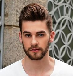 Check out these latest Men's beard styles for a new look. Article covers Short Beard Styles, Medium Beard Styles & Long Beard Styles for men. Different Beard Styles, Beard Styles For Men, Hair And Beard Styles, Mens Hairstyles Pompadour, Hairstyles Haircuts, Haircuts For Men, Classic Hairstyles, Beard Styles For Teenagers, Bart Styles