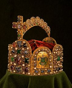 The Imperial Crown made for the coronation of Otto I, showing one of four enamel plaques representing King Solomon as the symbol of Wisdon, West German, late century with later additions Royal Crowns, Royal Jewels, Crown Royal, Tiaras And Crowns, Crown Jewels, Medieval Jewelry, Ancient Jewelry, High Middle Ages, Empire Romain