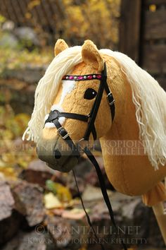 Iisan tallin blogi Horse Stables, Horse Tack, Stick Horses, Hobby Horse, Horse Crafts, Horse Photos, Sewing For Kids, Kids Playing, Tallit