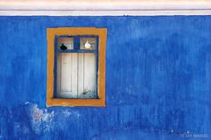 Blue Wall and Doves - Jay Maisel