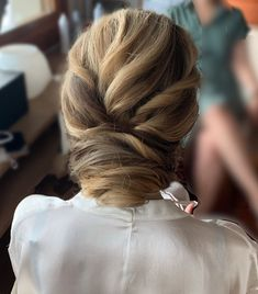 """EP Makeup & Hair Lake Como on Instagram: """"Textured updo 💕 I used @ghditalia and @schwarzkopfpro 1️⃣ what I do 2️⃣ what my client ask me (@tonyastylist) #romanticupdo…"""""""