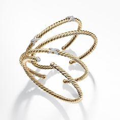 Cable bracelets in 18k gold.