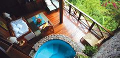 St. Lucia jacuzzi in room no big THAAANG!
