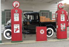 Vintage Gas Station Clip Art | ... Vintage Texaco Station - Old Rout 66 Gas Station - Classic Cars - Man