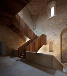 New and old blend @ San Telmo Museum Extension in San Sebastian, Spain by Nieto Sobejano Arquitectos Stairs Architecture, Architecture Details, Interior Architecture, Interior Design, Stone Interior, Museum Architecture, Wooden Staircases, Stairways, Balustrades