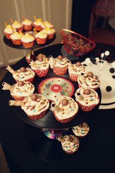9.mariage-retro-annees-50-table-dessert