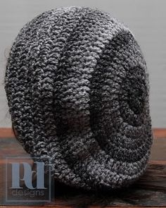 """Slouchy hat. Using bulkier yarn makes it more """"slouchy"""" and is worked in rounds. Free pattern."""