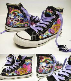 Maalatut kengät listassa olevilla aiheilla. Saavat olla niin kangaskengät, tennarit kuin ballerinatkin. Kengänkoko ballerinat/korkokengät perus 37, kangaskengissä mieluiten 38
