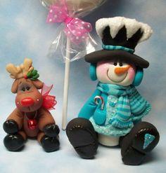 polymer reindeer and snowman - Christmas ornaments Polymer Clay Ornaments, Polymer Clay Figures, Fimo Clay, Polymer Clay Projects, Polymer Clay Creations, Polymer Clay Art, Christmas Cake Topper, Polymer Clay Christmas, Clay Baby