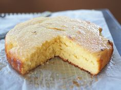Lemon drizzle cake in the thermomix! a winner Pear Recipes, Lemon Recipes, Sweet Recipes, Cake Recipes, Yummy Treats, Sweet Treats, Lemon Drizzle Cake, Pear Cake, Thermomix Desserts