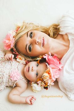 mit Blumenkranz Foto: The Golden Tot Shop -Mutter-Kind-Fotos mit Blumenkranz Foto: The Golden Tot Shop - Mama Baby, My Baby Girl, Baby Girl Birthday, Baby Born, Mother And Baby, Mom And Baby, Baby Kids, Children Photography, Newborn Photography