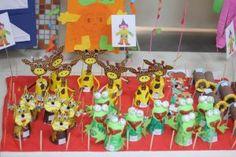 paper-cup-giraffe-bulletin-board