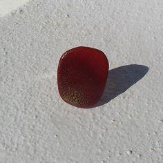 Anel Ref.ª#A024 (peça única) Material utilizado: pedra da praia pintada, anilha ajustável com banho de prata.