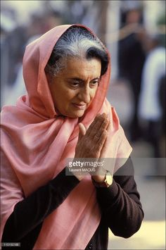Indira Gandhi in India on September Mrs. Indira Gandhi, Prime Minister of India, and She was assassinated. Happy Woman Day, Happy Women, Indira Ghandi, Street Style India, Indian Freedom Fighters, Calming Pictures, Rajiv Gandhi, Mother India, Great Leaders