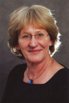 Haigerloch-Gruol: Eva Stangenberg von der Astrologieschule Karlsruhe. Auch sie veranstaltet einmal monatlich ein Treffen für Interessierte. Email: eva.stangenberg@tele2.de