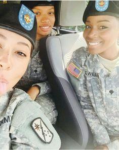 Army Beret, Boys Are Stupid, Military Women, Armed Forces, Rihanna, Black Women, Army Girls, Lady, Fine Women