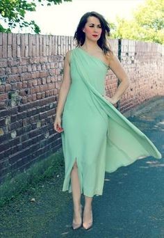 Vintage Green One Shoulder Dress £40.00