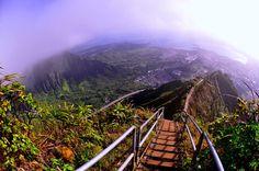 Haiku Stairs, les escaliers du paradis à Hawaï