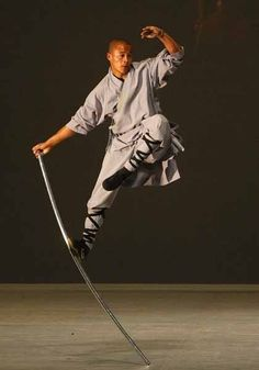Shaolin monk shows his fighting prowess