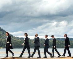 O noivo fashionista Alexandre de Betak com os padrinhos.(Foto: Reprodução Vogue America) www.yeswedding.com.br/pt/antena-yes/post/um-casamento-e-cinco-looks