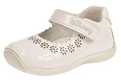Moda Infantil Modelo 5766C05 Charol Blanco Talla del 19 al 24 Baby Shoes, Sneakers, Clothes, Shopping, Fashion, Templates, Kids Fashion, Patent Leather, Spring Summer