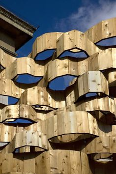 Inspired by the interwoven twigs of birds' nests—a form that supports and steadies itself—Bing Thom Architects and Fast + Epp Structural Engineers joined forces to showcase a new and unexpected design innovation using wood from British Columbia. Wood Architecture, Organic Architecture, Architecture Details, Urban Nature, Inside Outside, Design Research, Civil Engineering, Beautiful Buildings, Oeuvre D'art