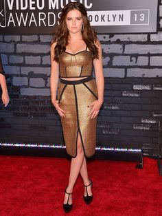Zoey Deutch rocks the fave two-piece look at the VMAs! Vampire Academy 2014!!