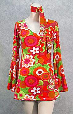 Online Antique and Collectibles Mall - over a half-million vintage antiques and collectible items for sale on-line. 60s And 70s Fashion, 60 Fashion, Fashion Images, Retro Fashion, Vintage Fashion, Vintage Dresses, Vintage Outfits, 1960 Dress, 70s Outfits