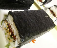 "KAUKAU TIME!--""Kaukau"" is a Hawaiian pidgin slang word meaning ""food"" or ""to eat."": SPAM MUSUBI RECIPE"