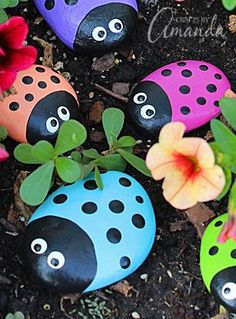 These ladybug painted rocks are adorable!!