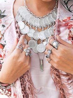 Words can not describe the beauty of natural herkimer diamonds. Boho Chic, Bohemian Style, Hippie Style, Boho Gypsy, Bohemian Jewelry, Grunge Jewelry, Estilo Hippie, Bohemian Girls, Moda Boho