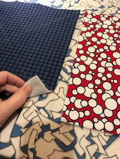 Quilted Placemat Patterns, Triangle Template, Sewing Machine Quilting, Sewing Headbands, Sewing Projects For Beginners, Sewing Tutorials, Sewing Ideas, Zipper Pouch Tutorial, Fabric Bowls