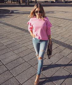 """Matea Gecevic on Instagram: """"Barbie called...she wants her shirt back! 💗💗💗💗💗💗💗💗💗💗💗💗💗💗 Barbie, Outfit, Shirt, Instagram, Tops, Women, Fashion, Outfits, Moda"""