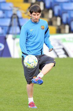 Lionel Messi #messi #soccer #futbol #leomessi http://www.pinterest.com/TheHitman14/lionel-messi-%2B/