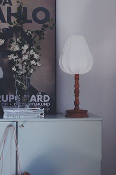 Fönster inspo | Articles and images about lamp, bromma, home