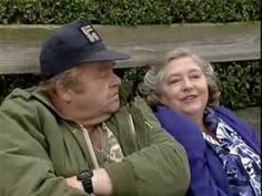 Keeping up Appearances - Series Episode 7 Funny Sitcoms, Keeping Up Appearances, Video Google, British Comedy, Classic Tv, Keep Up, Good People, Bbc, Actresses
