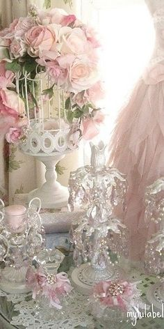 Vintage Shabby Pink! Dear, Lord I would love averything in this pic.