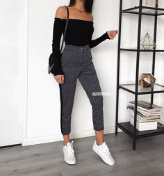 Autumn outfits Trendy outfits ideas for Winter style outfits Women Fashion Winter Outfits Fall Style Fashion Outfits Look Fashion, Teen Fashion, Autumn Fashion, Fashion Outfits, Fashion News, Feminine Fashion, Fashion Mode, Fashion 2018, Fashion Trends